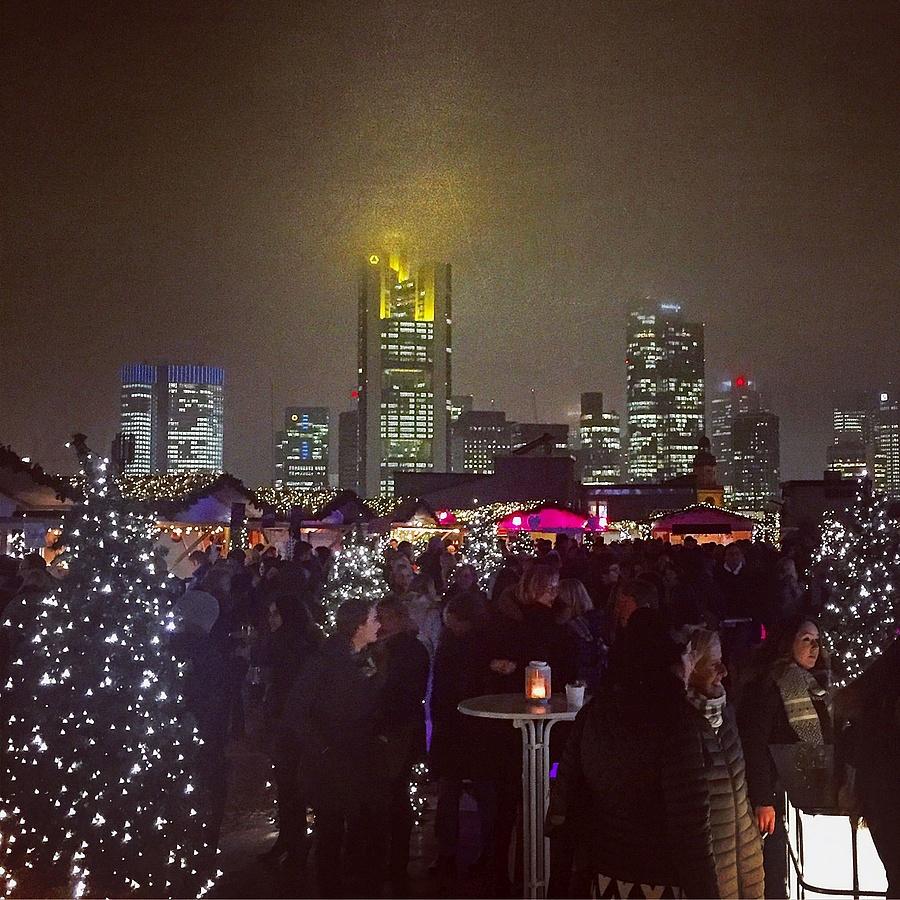 Frankfurt Weihnachtsmarkt öffnungszeiten.Cityxmas Ein Ganz Besonderer Budenzauber über Den Dächern Der Stadt