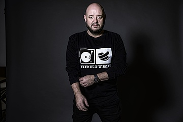 Frankfurt event entrepreneur Bernd Breiter publishes emotional video 'The world stands still'