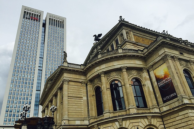 Opera, Schauspiel, Alte Oper and Mousonturm are planning an opening in spring