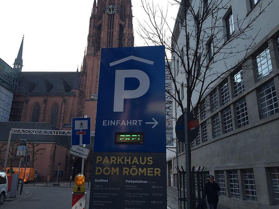 Frankfurt Römer Parken