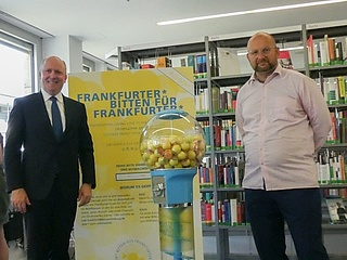 Gutsje-Gligger for Frankfurt - A chewing gum machine as a lucky donor