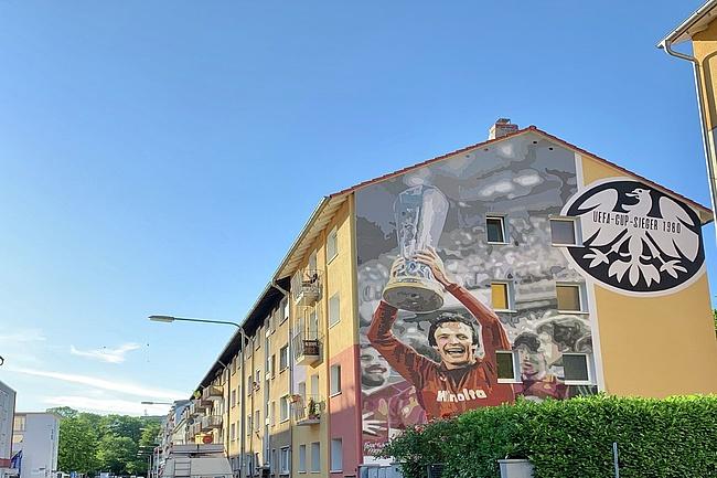 A wall graffiti for Charly Körbel