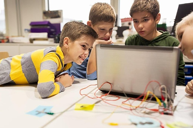 Robot School – Digitale Bildung für Kinder und Jugendliche
