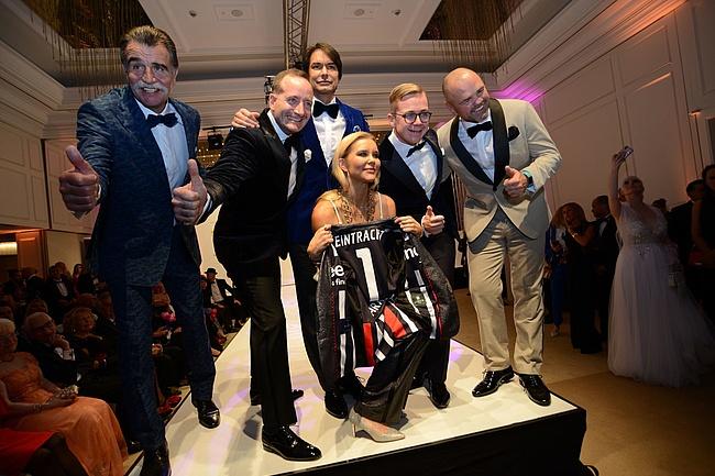 Kleider machen Leute Gala - Elegante Mode für den guten Zweck