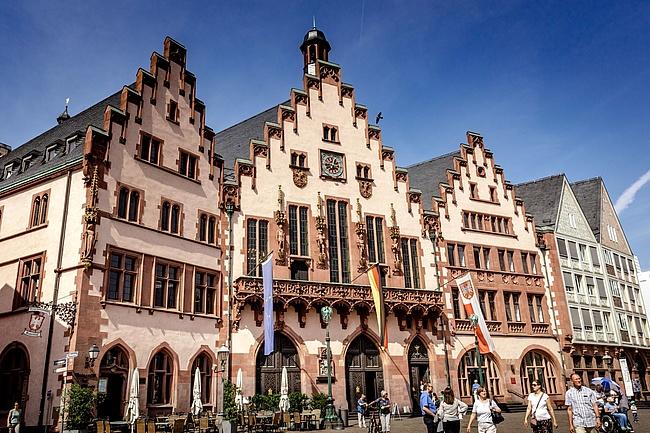 Römer Open - Stadt Frankfurt lädt zum Tag der offenen Tür