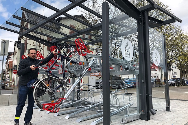 New covered parking facility for bicycles on the Höchster Markt