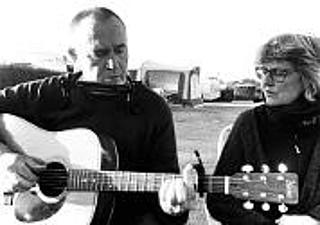 Acoustic Folk mit Ali