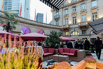 Steigenberger Frankfurter Hof invites to Grill & Chill Events with Live Music