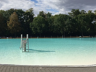 Outdoor pool season 2019 ends for the first Frankfurt outdoor pools