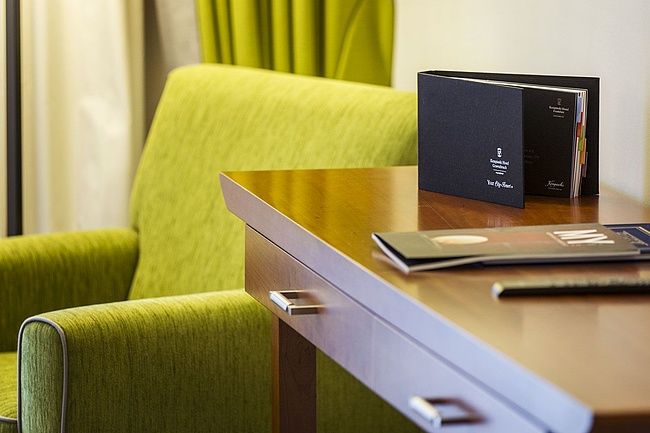 Working in a hotel room: Kempinski Hotel offers home office with recreational factor