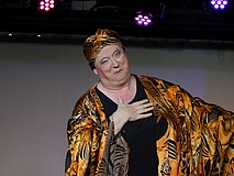 Neue Show blickt auf 25 Jahre Bäppi La Belle zurück