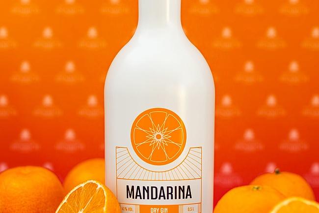 Brennerei Henrich sorgt mit dem Mandarina Dry Gin für Adventsstimmung
