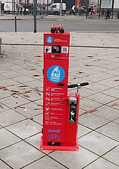 New repair stations for bicycles
