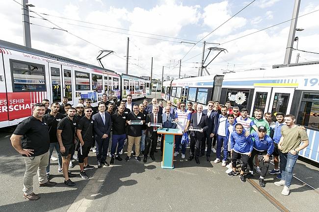 Neue Freundschaftsbahnen für die Partnerstädte Eskişehir und Tel Aviv vorgestellt