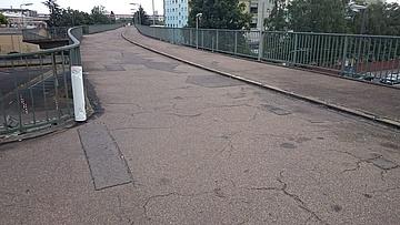 Stadt Frankfurt sperrt Cassellabrücke in Fechenheim