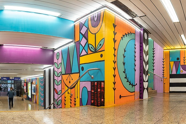 S-Bahn station Galluswarte shines in colourful splendour
