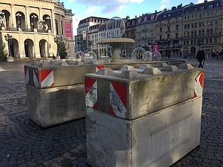 Sicherheit in Frankfurt: Temporärer Zufahrtsschutz an öffentlichen Plätzen