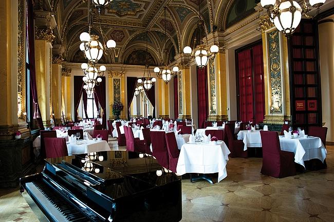 Genuss in besonderem Ambiente – Das Restaurant Opera