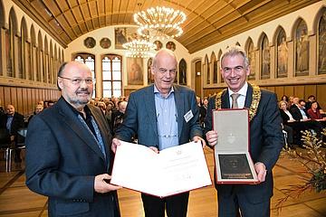 Auszeichnung für den Förderverein ExperiMINTa