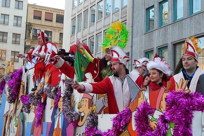 60 Karnevalsvereine machen Frankfurt in der fünften Jahreszeit bunt