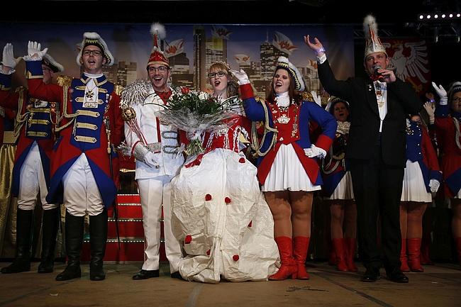 Frankfurter Prinzenpaar inthronisiert