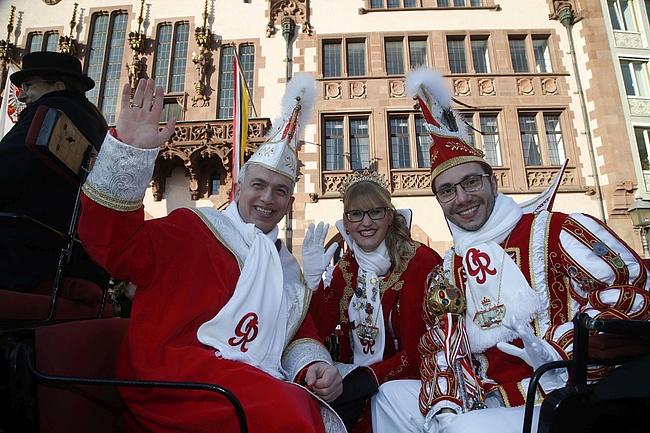 Mit Helau ins neue Jahr: Peter Feldmann empfängt Frankfurts Narren