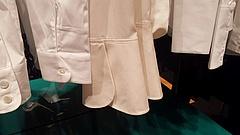 Anzug, Anker und Armbänder: Neue Modeläden im Oktober