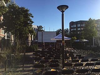 Open-Air-Sommernachtskino im Merton Viertel
