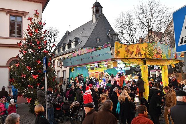 Besuch auf dem Schwanheimer Weihnachtsmarkt