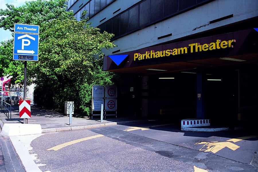 Parkhaus Am Theater Wiesbaden