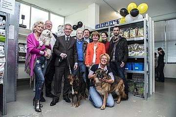 Oberbürgermeister Peter Feldmann gratuliert Tiertafel zum zehnjährigen Jubiläum