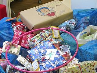 Fast 5000 Frankfurter beteiligen sich an Geschenkeaktion für sozial benachteiligte Kinder