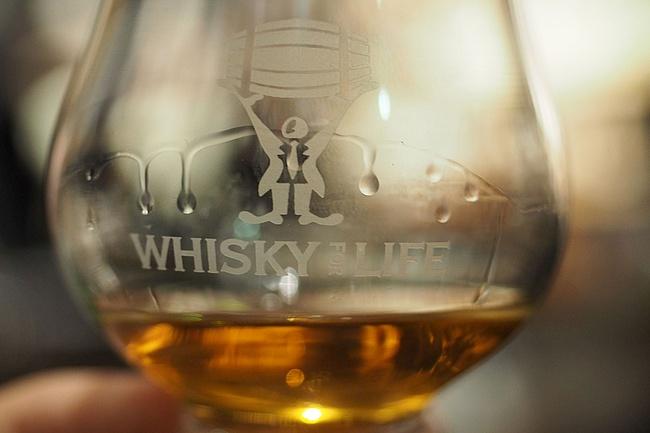 Warum Whisky im Sommer am besten schmeckt