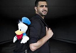 Amjad: Lachen verbreiten - Angst vermeiden