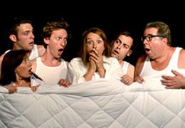 Dinge, die man nachts nicht sagen sollte - Bettgeflüster in drei Akten von Peter Akerman