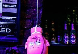 Halloween im Titty Twister IX – Die Tarantinoparty zu Gast im Cave!