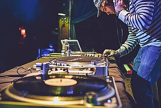 Hit Happens - Best of Classic Hip Hop, Electro & Indiedance