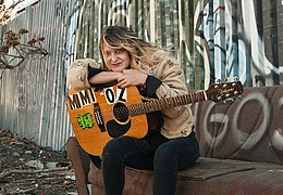 Mimi Oz
