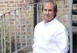 Summer in the City: Chris de Burgh & Band