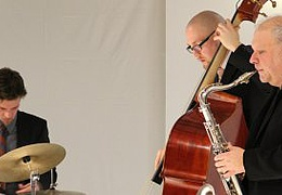 Tony Lakatos Trio plus Elmar Brass
