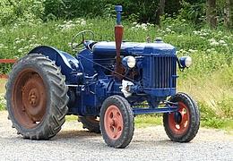 Traktor-Oldtimer-Treffen im Maislabyrinth