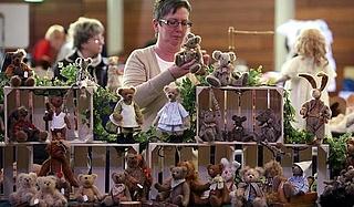 XVII. Puppen-, Bären- und Spielzeugbörse