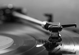 Vinyl in den Mai