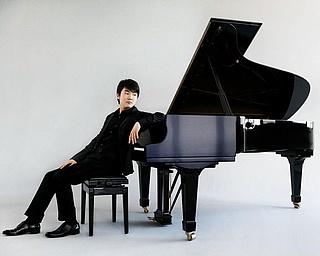 Seong-Jin Cho, Klavier