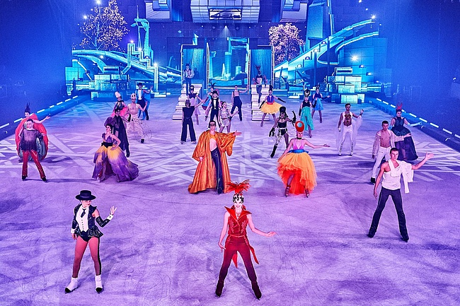 HOLIDAY ON ICE celebrates successful premiere of SUPERNOVA in Frankfurt
