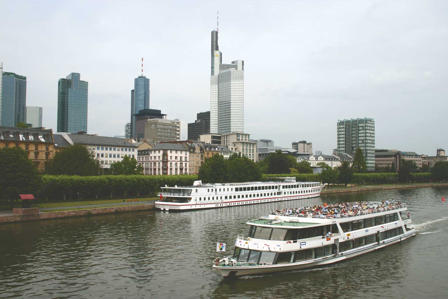 Frankfurt Schiff