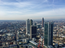 The MAIN TOWER - A very special view of the city