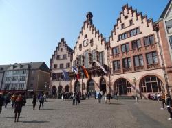 Der Römer – Frankfurts Tourismus Hotspot Nummer 1