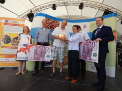 Verleihung des Goldenen Apfels auf dem Apfelweinfestival Sebastian Betzold