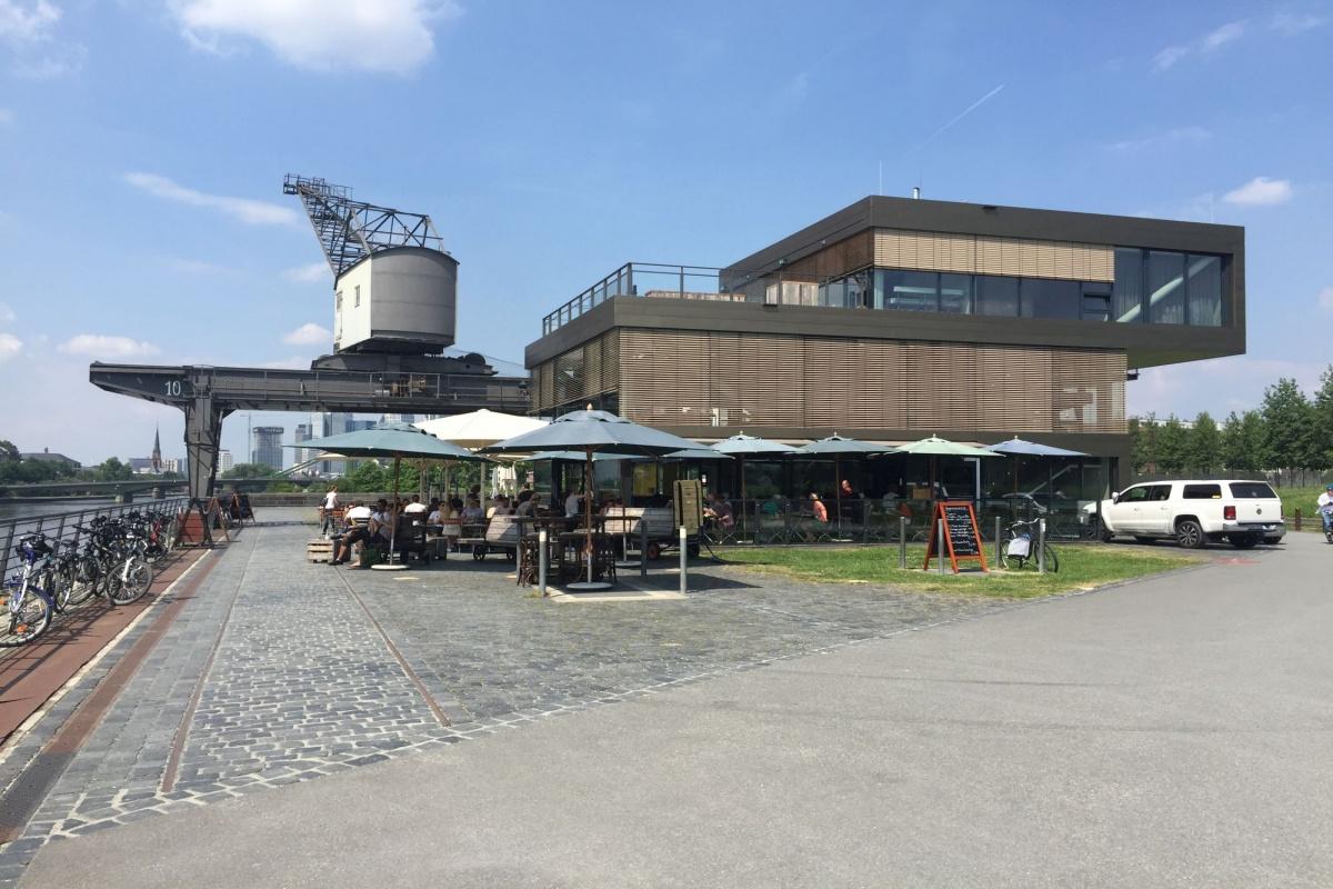 Oosten Frankfurt Karte.Genuss Mit Skyline Blick Das Oosten